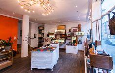 Affentor - Das Affentor bietet 3 große Schaufenster, eine Teeküche, ein kleines Büro mit Internetanschluss, kleines Lager sowie eine Toilette.