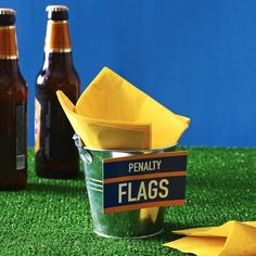 Awesome DIY football party napkin display!