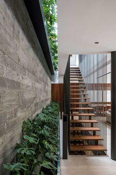 claustra escalier maison ouverte idée originale structurer espace intérieur extérieur