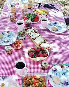 Günaydın  Bugün ki kahvaltım iki yakışıklıyla    @kpzkadir #kahvaltiyadair #mutlugunler  #piknikkeyfisi #kahvaltisofrasi