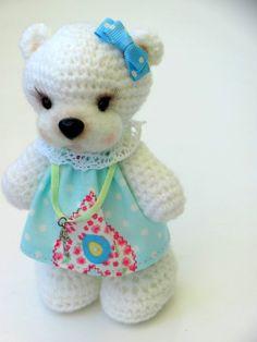 Cute Amigurumi Bear - FREE Crochet Pattern and Tutorial