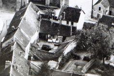 Cour de l'ancienne charcuterie : Fassy - Lebon -Moulin  a Larchant 77 voiture  C 4