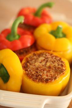 Fylte paprika Frisk, Stuffed Peppers, Vegetables, Food, Red Peppers, Stuffed Pepper, Veggies, Essen, Vegetable Recipes