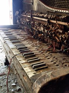 Imagine the glorious sounds from this piano when it was new. Abandoned Piano by AylaMckinley Abandoned Property, Abandoned Mansions, Abandoned Buildings, Abandoned Places, Old Pianos, Ghost Towns, Photos, Pictures, Urban Decay