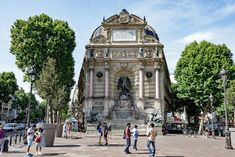 One Day in Paris Itinerary – Top Things to do in Paris, France Stuff To Do, Things To Do, Day Trip From Paris, Paris Itinerary, Big Ben, Street View, Paris France, Building, Travel