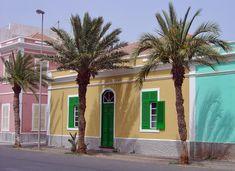 Rua Angola, Mindelo, São Vicente.  Foto: ©2006 Francisco Santos