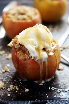 The only thing better than apple crisp? Apple crisp stuffed and baked inside a fresh apple. Yummy apple crisp, sweet baked apples, and a crumble topping could make this treat your family's favorite! Apple Desserts, Fall Desserts, Apple Recipes, Just Desserts, Fall Recipes, Sweet Recipes, Delicious Desserts, Yummy Food, Thanksgiving Recipes