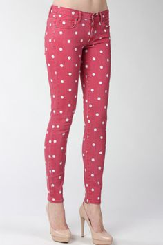On a fashion mission // Top of the dots AKA finding the perfect pair of polka dot jeans – Le Blow