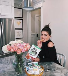 "42.4k Likes, 155 Comments - Camila Coelho (@camilacoelho) on Instagram: ""Quick afternoon break time with delicious @puregrowthorganic veggie chips. Today on my blog I'm…"""