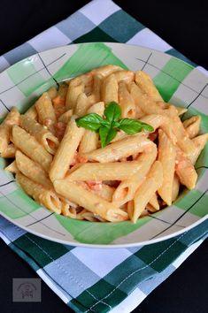 Paste cu branza feta si rosii cherry - CAIETUL CU RETETE Pasta Salad, Feta, Cookie Recipes, Paste, Pizza, Ethnic Recipes, Foods, Cookies, Crab Pasta Salad