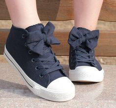 00-Bow Canvas Shoes-77-05-0-6-7-8 from MayonnaiseBread