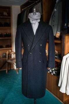 Mens Wool Overcoat, Tailored Coat, Dapper Men, Sharp Dressed Man, Men Style Tips, Suit Fashion, Gentleman Style, Stylish Men, Outerwear Jackets
