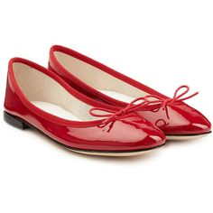 Repetto Patent Leather Ballet Flats ($279) ❤ liked on Polyvore featuring shoes, flats, red, red patent flats, red patent leather flats, bow ballet flats, patent leather ballet flats and red ballet flats