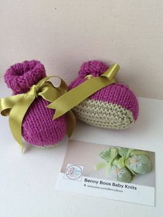 Baby Booties. Hand Knitted in Luxurious Merino Silk 0-3 month size Two Tone New Season Colours Radiant Orchid Green