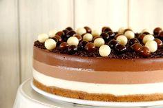 Tarta a los tres chocolates, con Thermomix Sweet Recipes, Cake Recipes, Chocolate Thermomix, Flan, Mousse, Fondant, Panna Cotta, Cheesecake, Food Porn