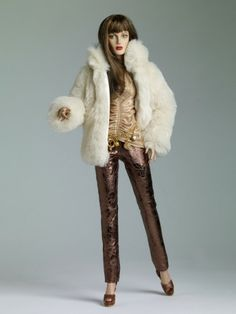 This beautiful Tonner Doll is Definitely Downtown ready! Perfect addition to your collection today! http://www.toniscollectibles.com/definitely-downtown.html