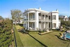 1415 Third St, New Orleans, LA 70130 Magnificent Garden District Mansion in Italianate Neoclassical Architecture style. Built between 1859-1865.