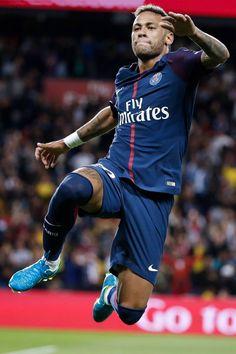Neymar of Paris Saint Germain and Brasil Neymar Jr Hairstyle, Fc Barcelona Neymar, Neymar Jr Wallpapers, Neymar Psg, Paris Saint Germain Fc, Neymar Football, Kun Aguero, International Soccer, National Football Teams