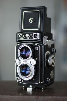 Yashica Mat 124G: A Twin-Lens Classic - Lomography