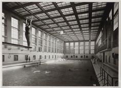 Stadtbad Mitte swimming pool, Berlin Germany (ca.1930)   Architects : Carlo Jelkmann and Heinrich Tessenow   Photo : Reinhold Lissner