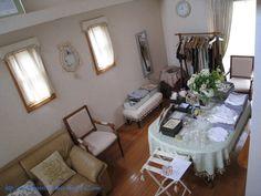 2009年6月***「Chez Mimosa シェ ミモザ」   ~Tassel&Fringe&Soft furnishingのある暮らし  ~   フランスやイタリアのタッセル・フリンジ・  ファブリック・小家具などのソフトファニッシングで  、暮らしを彩りましょう      http://passamaneriavermeer.blog80.fc2.com/