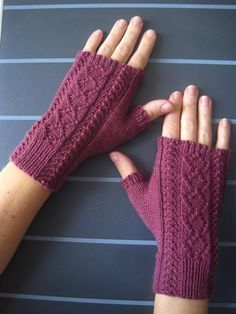 Briony Lace Mitts Knitting pattern by Suzie Sparkles Briony Lace Mitts Strickmuster Fingerless Gloves Knitted, Knit Mittens, Knitted Mittens Pattern, Christmas Knitting Patterns, Crochet Patterns, Paintbox Yarn, Yarn Brands, Arm Knitting, Knitting Accessories