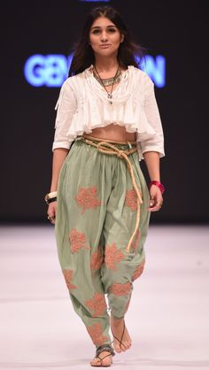 "Generation's ""A dot that went for a walk"" ""This collection is inspired by the dupatta which represents really the base of sub continental clothing like the kurta, the shalwar and the kaftan which are. Lakme Fashion Week, Spring Fashion Trends, Trendy Fashion, High Fashion, Fashion Outfits, Fall Fashion, Pakistan Fashion, India Fashion, Indian Dresses"