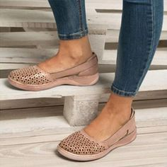 Round toe Hollow-out Breathable Flat Sandals for Women Comfortable Work Shoes, Comfy Shoes, Cute Shoes, Me Too Shoes, Casual Shoes, Closed Toe Summer Shoes, Closed Toe Sandals, Loafers Online, Womens Flats