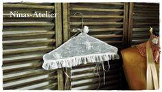Kleiderbügel Vintage von Ninas-Atelier auf DaWanda.com