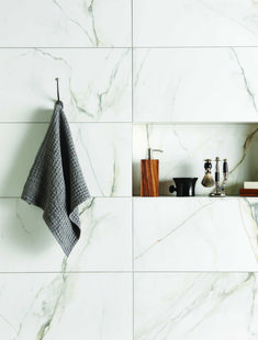 Marble tile bathroom flooring ideas 28 - Savvy Ways About Things Can Teach Us Luxury Master Bathrooms, Modern Bathroom, Small Bathroom, Master Baths, Marble Tile Bathroom, Bathroom Flooring, Marble Tiles, Tiled Bathrooms, Marble Wall