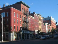 MAINE // Top 10 Restaurants in Bangor, Maine: Gourmet Dining and Local Eats // http://theculturetrip.com/north-america/usa/maine/articles/top-10-restaurants-in-bangor-maine-gourmet-dining-and-local-eats/