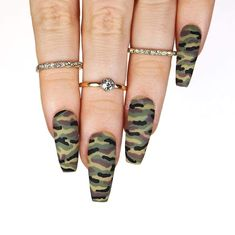 Invisible nails Ill list all products used under the tutorial coming up! These also might be coming to my custom press-on nail shop if you want some for yourself Diy Camo Nails, Camo Acrylic Nails, Camo Nail Art, Camouflage Nails, Simple Acrylic Nails, Military Nails, Army Nails, Camo Nail Designs, Cute Acrylic Nail Designs