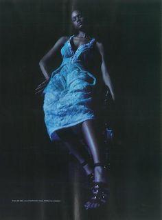 LARA KLAWIKOWSKI in the October 2015 Issue of Elle SA