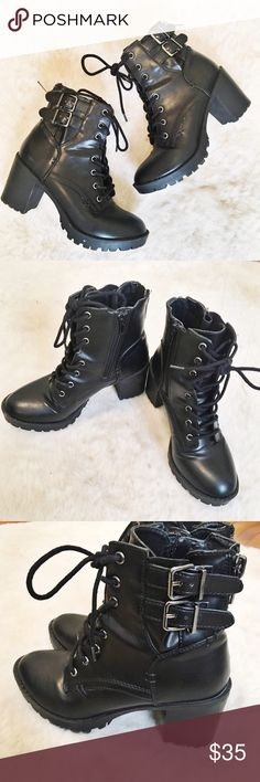 STEVE MADDEN Black Leather Heeled Combat Boots Perfect pair of black combat boots from Steve Madden! Minimal wear, excellent condition, and super comfortable! Steve Madden Shoes Combat & Moto Boots