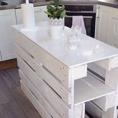 Pallet kitchen island - 70 Stylish and Inspired Farmhouse Kitchen Island Ideas and Designs
