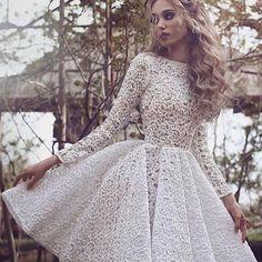 Do ig @borntobeabride . Lindo vestido para o noivado ou casamento civil !!! #casamentosetc #vestido #dress #noivado #casamentocivil #noiva #bride #bridal #bridetobe #wedding {se o vestido ou foto forem seus mandem um DIRECT para darmos os créditos}