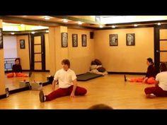 Упражнений для укрепления ног, и разработки тазобедренных суставов - YouTube