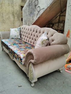 Chesterfield sofa .