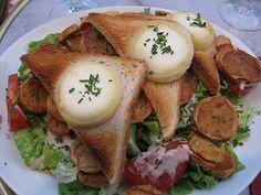 Voici une salade rapide et light pour faire le plein de vitamines et de protéines, la salade de chèvre chaud Weight Watchers