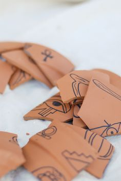 DIY Project: Potsherds for an Archaeological Dig | Tikkido.com