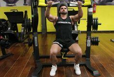 Supino Inclinado Articulado. Grupos musculares: Peitoral (fibras superiores), Tríceps, Ombro. Execução correta, recomendações, cuidados e mais informações