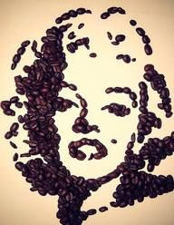 Marilyn Monroe wall art made from coffee beans Coffee Brewer, Coffee Cafe, Coffee Drinks, Coffee Bean Art, Coffee Beans, I Love Coffee, My Coffee, Cofee Shop, Café Chocolate