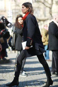 Emmanuelle Alt stays true to her style - Paris Fashion Week #StreetStyle Fall 2014 #PFW