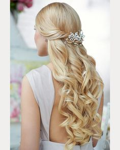 Must See Spiral Curl Hairstyles for Brides ~ we ♥ this! moncheribridals.com
