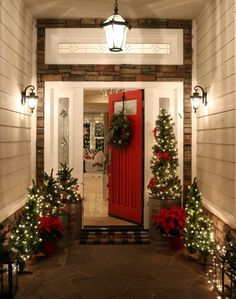 10 MORE Stunning Christmas Front Porches | The Cameron Team