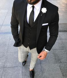 ~~GentWith Styles ~~ ❤❤♥For More You Can Follow On Insta @love_ushi OR Pinterest @ANAM SIDDIQUI ♥❤❤ #menssuit