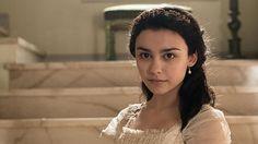 La sexta y más pequeña de las hermanas, Elisa Silva, la interpreta Carla Díaz http://www.rtve.es/v/3046519/ @Seishermanastve