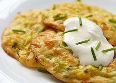 Несложная, даже простая готовка, незанимающая много времени, авитоге получаются вкуснейшие капустные оладьи для хорошего завтрака. -