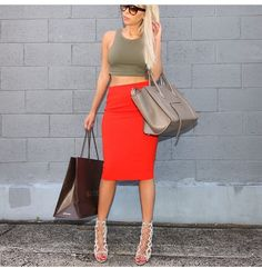 Originally from fly society Love the Starburst orange with army green combo! Fashion Killa, Fashion Addict, Sydney Fashion Blogger, Pretty Girl Swag, Dress Me Up, American Apparel, Casual Chic, Color Pop, Colour