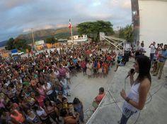 En Santos Reyes Nopala Entrega Yarith Tannos apoyo a más de dos mil mujeres